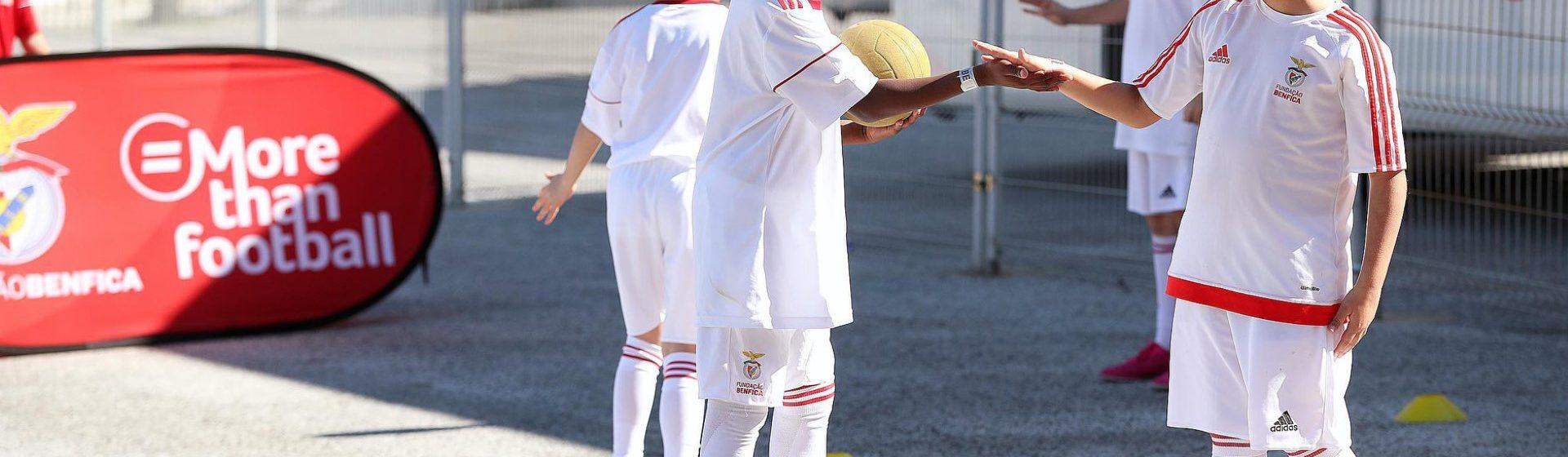 SL Benfica header